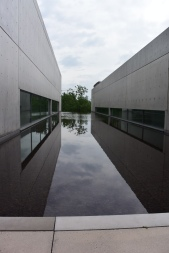 Reflective Pool at The Pulitzer Foundation for the Arts. Photo by Erin K. Hylton 2016.